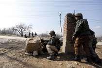 जम्मू-कश्मीर में सेना के काफिले पर आतंकी हमला, 3 जवान शहीद और 6 घायल