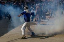 कश्मीर घाटी में पैलेट गन्स के बजाय दूसरे तरीके अपनाए सरकार: सुप्रीम कोर्ट