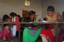 नकल पर हरकत में आई योगी सरकार, 1419 छात्र अरेस्ट, 54 केन्द्रों पर एग्जाम रद्द