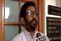 शिवसेना सांसद ने दी चुनौती तो एयर इंडिया ने कैंसिल की टिकट