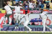 अश्विन-जडेजा की फिरकी में फंसे कंगारू, जीत से 87 रन दूर टीम इंडिया