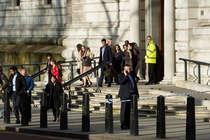 लंदन अटैक Update: संसद के बाहर आतंकी हमले में पांच की मौत, 100 पुलिस वाले कर रहे जांच