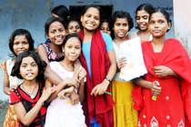 1 करोड़ बेटियों के खाते में जमा हुए हैं 11000 करोड़ रु, ट्रेंडिंग में है #EmpoweredNari