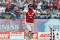 क्रिकेटर परविंदर अवाना पर हमला, 5 कार सवार बदमाशों पर शक