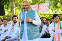 शंकर सिंह वाघेला ने छोड़ी कांग्रेस, बीजेपी में जाने से भी किया इनकार
