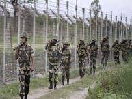 इंडिया जितनी बड़ी इकॉनॉमिक पॉवर है, उतनी ही बड़ी ताकत इंडिया की आर्मी है. भारत की फौज दुनिया की टॉप पांच सेनाओं में आती है. भारत दुनिया के सबसे ज्यादा हथियार आयातक देशों में से एक है. इंडियन आर्मी के पास ऐसे हथियार हैं, जो उसे एक ताकतवर मुल्क बनाती है. लेकिन इंडिया के पास एक ऐसा हथियार भी है, जिसका लोहा पूरी दुनिया की फौजें मानती हैं.
