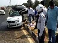 रविवार सुबह करनाल राष्ट्रीय राजमार्ग एक पर निर्मल कुटिया फ्लाई ओवर पर एक बड़ सड़क हादसा हो गया. दिल्ली की तरफ से आ रही सफ़ेद रंग की स्विफ्ट को एक ट्रक ने जोरदार टक्कर मार दी.