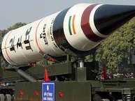 डिफेंस पावर में भारत चीन से काफी पिछड़ा हुआ है. बावजूद इसके भारत एक परमाणु शक्ति है और दुनिया में पांचवे नंबर की सामरिक ताकत है. भारत के पास कुछ ऐसे हथियार और मिसाइलें हैं, जिनका लोहा पूरी दुनिया मानती है. आइए आपको बताते हैं इंडियन आर्मी के उस हथियार के बारे में जिसकी टेस्टिंग के बाद चीन ने कड़ी आपत्ति जताई थी. यही नहीं इस हथियार की ताकत से आज भी चीन खौफ खाता है क्योंकि इसकी जद में चीन के कई शहर हैं.