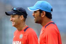 बीसीसीआई को आजकल भारतीय क्रिकेट टीम के लिए नए कोच की तलाश है. कई दिग्गजों ने इस पद के लिए आवेदन भी भरे हैं. पूर्व कोच अनुल कुंबले ने अपना एक साल का कार्यकाल खत्म होने पर हाल ही में इस पद से इस्तीफा दिया. कुंबले को साल 2016 में सौरव गांगुली, सचिन तेंदुलकर और वीवीएस लक्ष्मण की 'सीएसी' ने टीम इंडिया का कोच चुना था. 16 साल बाद कोई इंडियन भारतीय टीम का हेड कोच बना था. उनसे पहले कपिल देव इस पद पर रह चुके हैं. हम बता रहा हैं अब तक कौन-कौन रहा है टीम इंडिया का कोच.