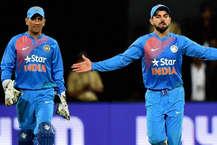 चैंपियंस ट्रॉफी का खिताब बचाने से चूकी भारतीय क्रिकेट टीम आज से वेस्टइंडीज़ के खिलाफ पांच वनडे मैचों की सीरीज़ खेलने उतरेगी. भारतीय टीम लगभग सवा साल के बाद अपने मुख्य कोच अनिल कुंबले के बगैर खेलने जा रही है. त्रिनिदाद के क्वींस पार्क ओवल मैदान पर एक-दूसरे से भिड़ंत के लिए उतरने वाली दोनों टीमों का लक्ष्य एक नई शुरुआत का होगा. भारतीय बल्लेबाज़ों की बात की जाए तो विस्टइंडीज़ के खिलाफ जो सबसे ज़्यादा रन बनाने वाले खिलाड़ी हैं उनमें सबसे ऊपर सचिन तेंदुलकर का नाम आता है. उनके बाद हैं राहुल द्रविड़. एक नज़र उन पांच बल्लेबाज़ों पर जो विस्टइंडीज़ के खिलाफ मौजूदा भारतीय टीम के टॉप स्कोरर हैं.(Image source: PTI)