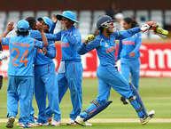 महिला विश्व कप के दूसरे सेमीफाइनल मुकाबले में आज भारतीय क्रिकेट टीम का सामना ऑस्ट्रेलिया से होना है. छह बार की चैंपियन ऑस्ट्रेलिया को हराना मिताली की ब्रिगेड के लिए आसान नहीं होगा लेकिन नामुमकिन भी नहीं है. भारतीय टीम ने पिछले मैच में बड़ा उलटफेर कर न्यूज़ीलैंज को हराया और सेमीफाइनल में जगह बनाई. अब भारतीय टीम के पास ऑस्ट्रेलिया के खिलाफ इतिहास रचने का सुनहरा मौका है. अगर भारत को फाइनल की राह पक्की करनी है तो उसे इन 5 बातों का ख्याल रखना होगा. (Getty)