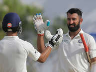 गॉल स्टेडियम में बुधवार को भारत और श्रीलंका के बीच तीन टेस्ट मैच के सीरीज़ का पहला मैच खेला गया. भारत ने टॉस जीतकर पहले बल्लेबाज़ी करते हुए तीन विकेट पर 399 रन बनाए. चेतेश्वर पुजारा (144) और अजिंक्य रहाणे (39) नाबाद लौटे. भारत ने पहले दिन एक अनोखा कारनामा किया. विदेशी ज़मीं पर टेस्ट के पहले दिन दो शतक लगाए गए. इससे पहले ऐसा दो बार हुआ है. (ANI)