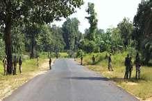 छत्तीसगढ़: नक्सलियों ने CRPF जवानों पर किया हमला, 3 जवान जख्मी