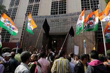 कोलकाता में आरबीआई गवर्नर उर्जित पटेल का विरोध, दिखाए गए काले झंडे