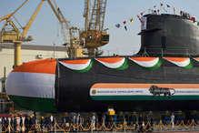 बढ़ेगी भारत की समुद्री ताकत, पनडुब्बी 'खंदेरी' समुद्र में उतरी, जल्द नौसेना में होगी शामिल