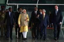 वाइब्रेंट गुजरात समिट में पीएम मोदी बोले- 'मेक इन इंडिया' की वजह से 130 अरब डॉलर का निवेश