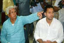 पद्मावती विवाद : लालू के निशाने पर बीजेपी, तेजस्वी ने भंसाली को दिया बिहार में शूटिंग का न्यौता