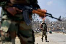 कश्मीर में पत्थरबाजी पर काबू पाने के लिए सीआरपीएफ बदलेगी रणनीति