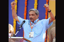 रिश्वत वाले बयान पर फंसे मनोहर पर्रिकर, चुनाव आयोग ने मांगा जवाब