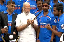 भारतीय ब्लाइंड क्रिकेट टीम से मिले पीएम मोदी, पाक को हराकर जीता था वर्ल्ड कप