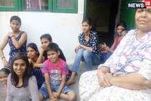 मदर्स डे स्पेशल: एक ऐसा गांव जहां हर 'यशोदा मां' के हैं दस-दस बच्चे