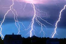 कांवड़ियों के शिविर पर गिरी आकाशीय बिजली, 50 घायल