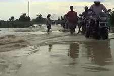 बिहार में बारिश और बाढ़ से कई जिलों में हाल हुआ बेहाल