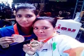 किक बॉक्सिंग में कोरबा की दो महिला पुलिस कर्मियों ने जीते गोल्ड मेडल