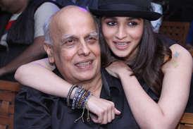 आलिया को मिलेे फिल्म फेयर अवार्ड से खुश हैं डैडी महेश भट्ट