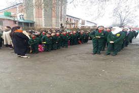 आठ महीने बाद कश्मीर के स्कूलों में लौटे छात्र