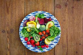 छिलके सहित खाएं ये फल और सब्जियां, रहेंगे एक्टिव