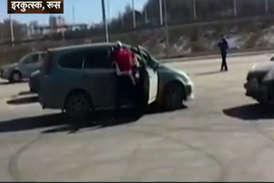 वीडियो: सड़क पर हुई कहा-सुनी का अजीबोगरीब अंजाम