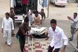 बीजापुर में नक्सलियों ने किए 25 जगह विस्फोट, 3 जवान घायल