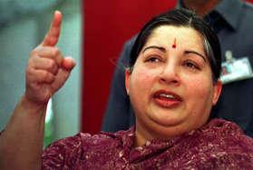 जयललिताः बचपन की 'अम्मू' जो अपने करोड़ों समर्थकों के लिए बन गई 'अम्मा'!