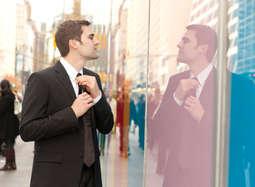 बड़े काम का है टाई पहनना, ये हैं फायदे!
