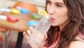 आपके लीवर को स्वस्थ रखता है शहद और पानी