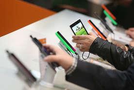 कहीं अपने मोबाइल को 100 फीसदी चार्ज तो नहीं करते आप, अगर हां, तो जान लें ये बातें!