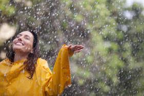 जानें: बारिश के मौसम में कैसे रखें अपनी त्वचा का ख्याल