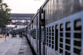 एक करोड़ रेल यात्रियों ने बीमा योजना का विकल्प चुना