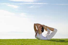 पेट की चर्बी को कम करेगा धनुरासन योग