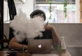 सावधान! जहरीली है ई-सिगरेट आपके लिए हो सकता है खतरा