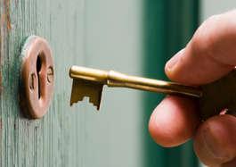 खबरदार! किसी और के पास भी है आपकी तिजोरी की चाबी, जानिए क्या है माजरा...?
