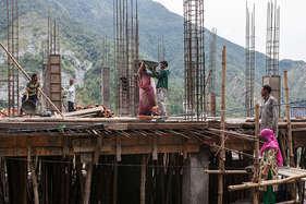 महाराष्ट्र की नई हाउसिंग पॉलिसी घोषित, 50 साल पुरानी इमारतों के रिडेवलपमेंट का रास्ता साफ