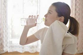 ज्यादा पानी पीने से आपकी सेहत हो सकती है खराब