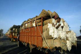 पाक ने फिर दिखाया असली रंग, भारत से भेजी गई कपास की दस हजार गांठ की खेप को किया नामंजूर