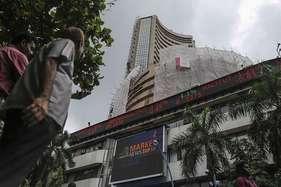 चार दिन की गिरावट के बाद बाजारों में तेजी, छह पैसे मजबूत हुआ रुपया