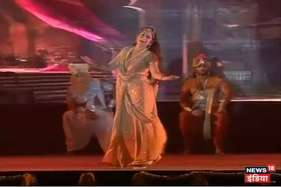 जब मंच पर हेमा मालिनी ने लिया 'द्रोपदी अवतार'