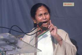 मोदी बाबू जानते हैं नोटबंदी बेपटरी हो गई, अब भाषण के अलावा चारा नहीं: ममता