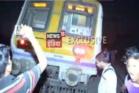 मुंबई लोकल हुई हादसे का शिकार, 5 डिब्बे पटरी से उतरे