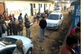रोहिणी में दिल्ली पुलिस के एएसआई और महिला को गोलियों से भूना